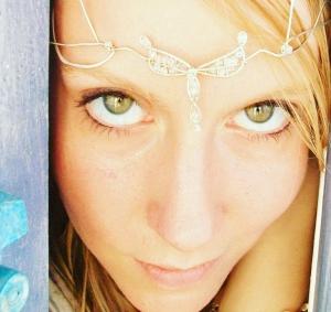 Faerie Oracle   Aquarian Goddess